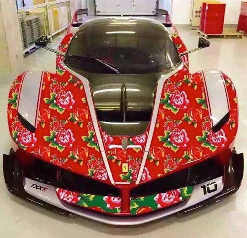 Photo of Μία… τριανταφυλλένια Ferrari FXX K!
