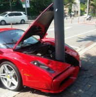 Ferrari Enzo crash in South Korea (2)