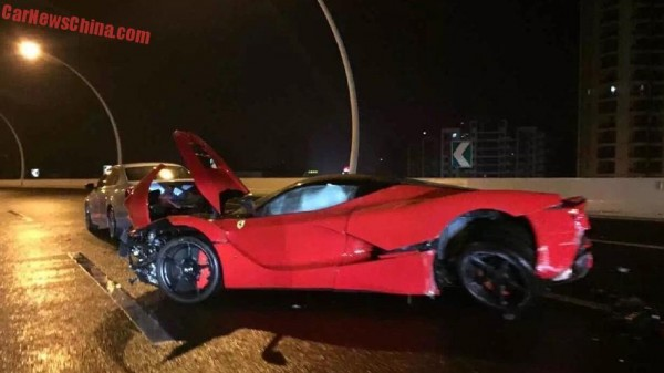 LaFerrari crash in Shanghai (8)