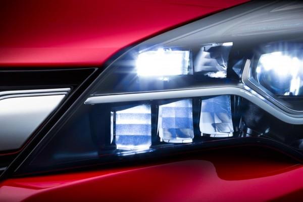 Opel-IntelliLux-LED