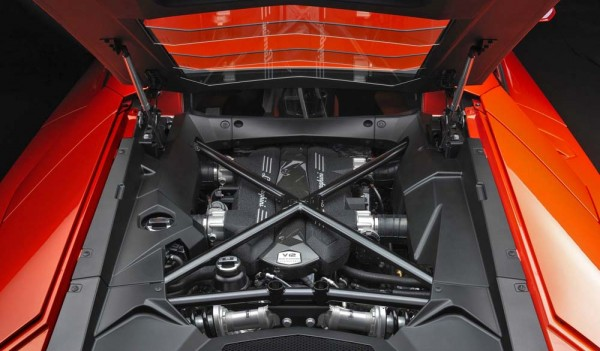 Lamborghini-Aventador_LP700-4_2012_1000