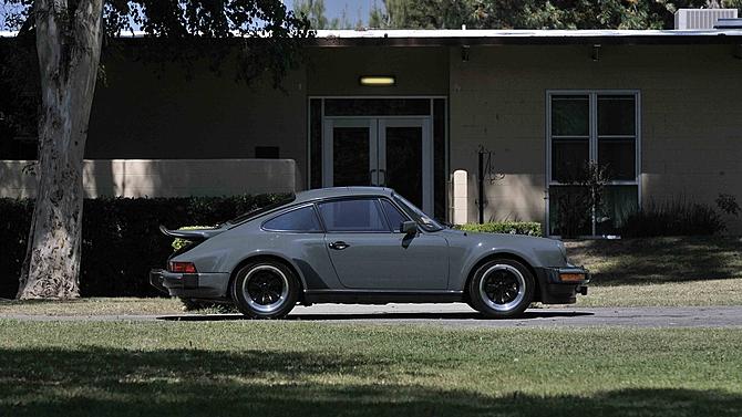 Photo of Πόσο πωλήθηκε η τούρμπο Porsche του Steve McQueen;