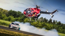 red-bull-felix-baumgartner-drift-car-stunt