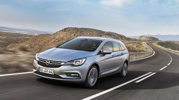 2016 Opel  Vauxhall Astra Sports Tourer first images (6)