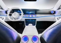 Mercedes-Benz-IAA_Concept_2015_1000 (2)