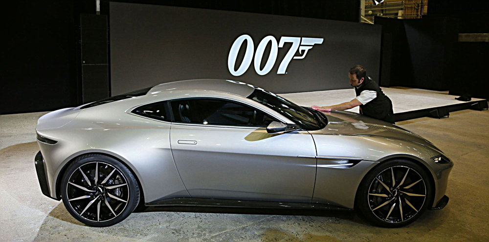Photo of Πως στρίβει η νέα Aston του James Bond; [vid]