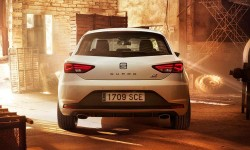 Seat-Leon_Cupra_290_2016_1600x1200_wallpaper_04