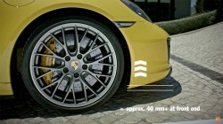 The new Porsche 911 Carrera – Front axle lift system HD