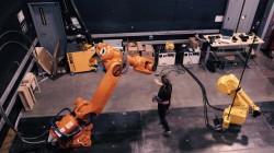 human-gesture-controlled-robots-1200