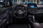 Στο εσωτερικό του Toyota C-HR [vid]