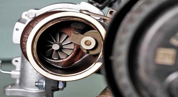 Volvo-unveils-450-bhp-four-cylinder-engine-6