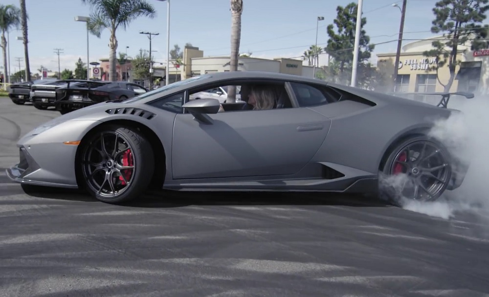 Photo of Μια Lamborghini στα χνάρια της Gymkhana! [vid]