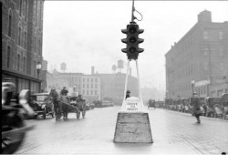 1918 traffic light