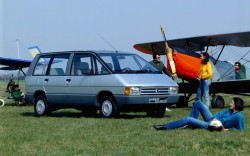 1984-88_Renault_Espace_02