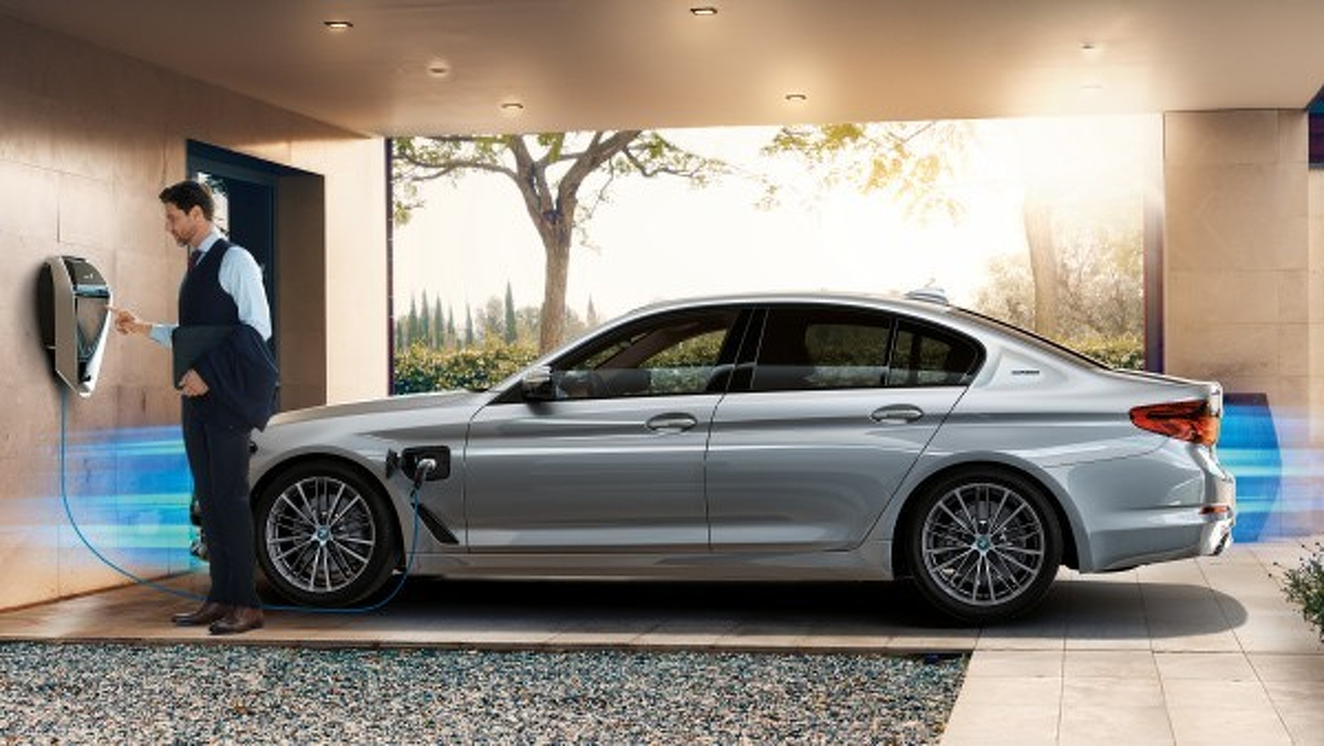 "Photo of Η BMW 530e είναι η πρώτη υβριδική ""πεντάρα"""