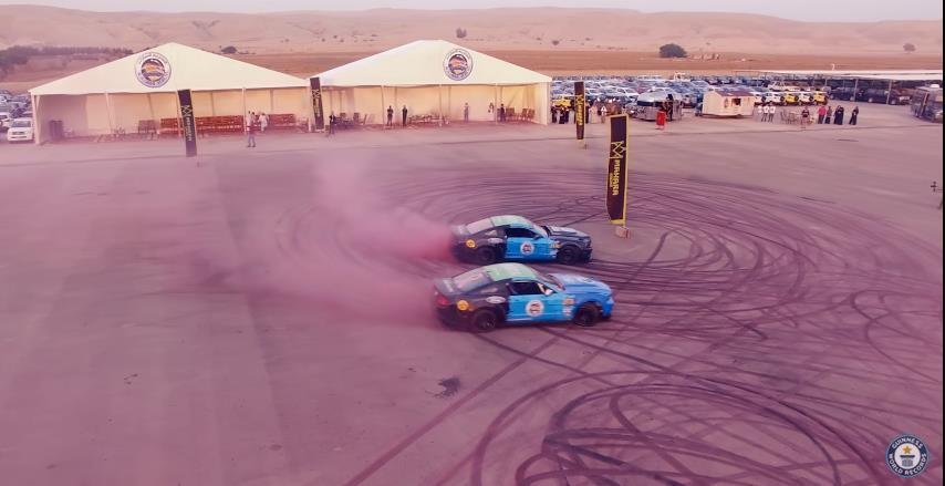 Photo of Γιατί δύο Mustang λιώνουν ροζ λάστιχα; [vid]