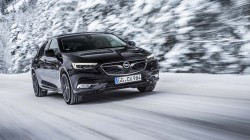 2017-opel-insignia-grand-sport-with-awd (1)