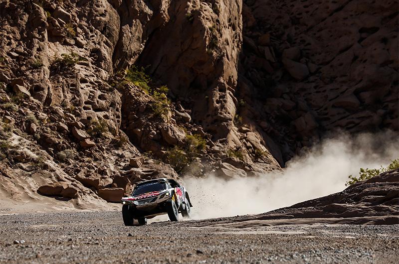 Photo of Ράλι Ντακάρ:  Δεν το χάνει με τίποτα η Peugeot!