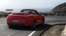 new Porsche-911-GTS-2017 (9)