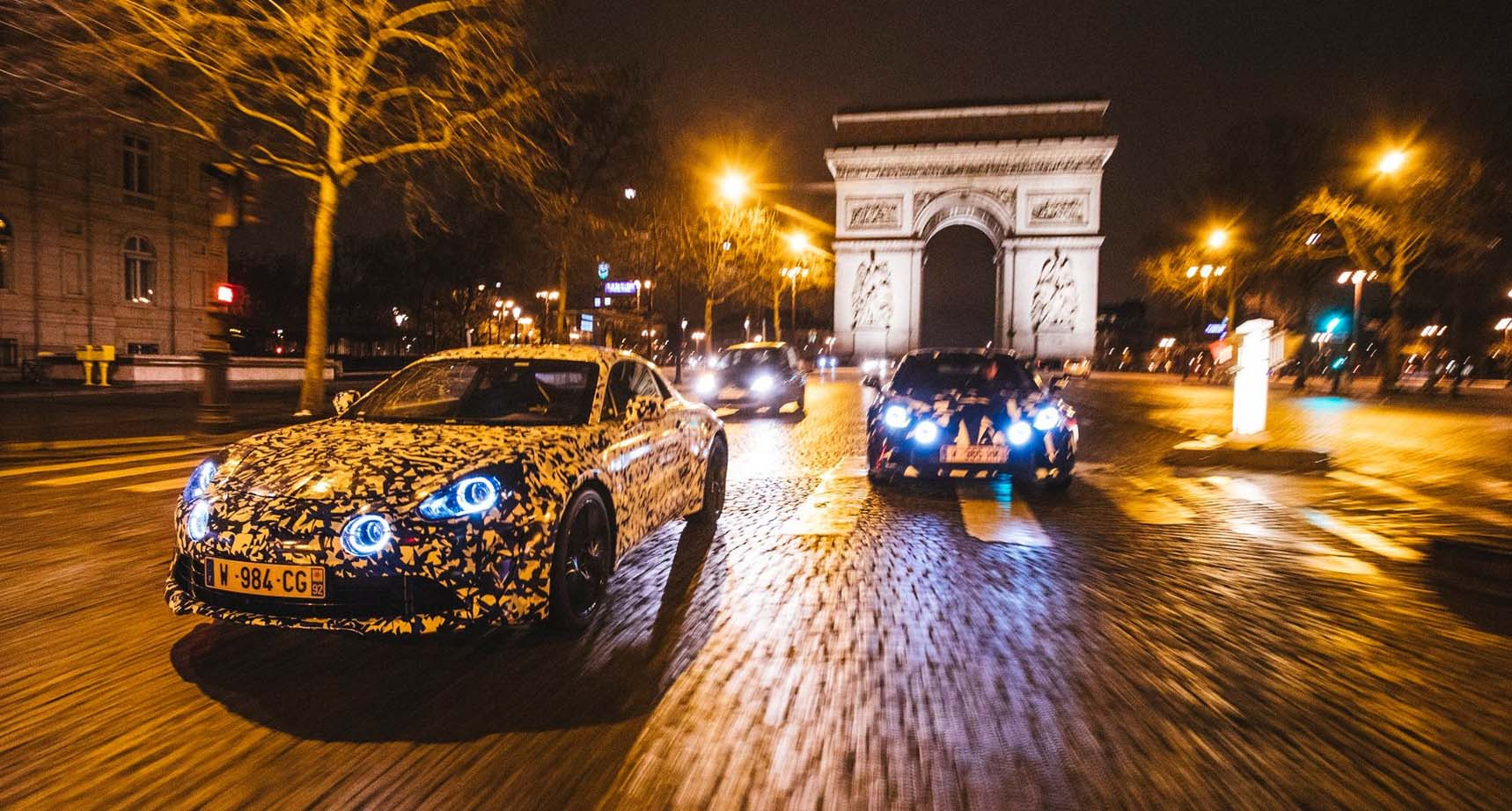 Photo of H Renault Alpine A120… νυχτοπερπατά στο Παρίσι