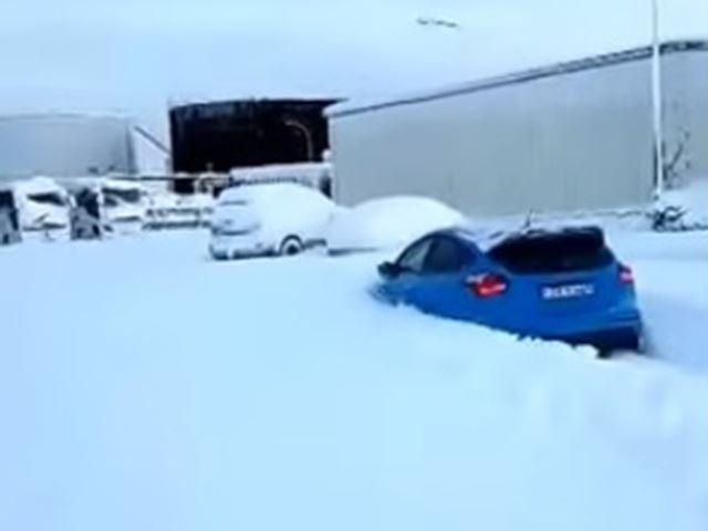 Photo of Μπορεί ένα Ford Focus RS να αναλάβει καθήκοντα εκχιονιστικού; [vid]