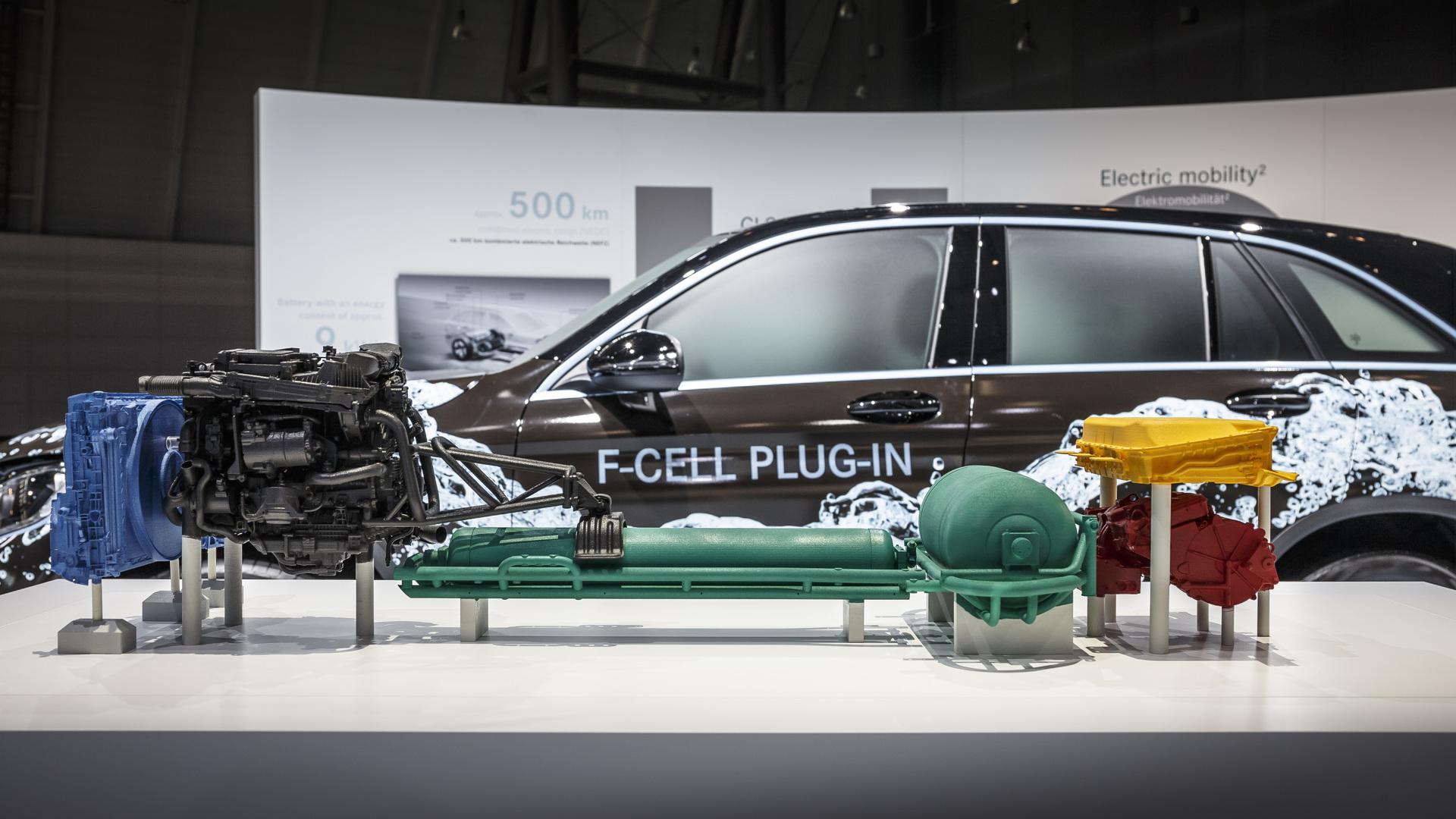 Photo of Στοπ η Daimler στα fuel-cell για χάρη των EV, η Toyota βλέπει ατμόσφαιρα και φουλ υβριδικά [blog]