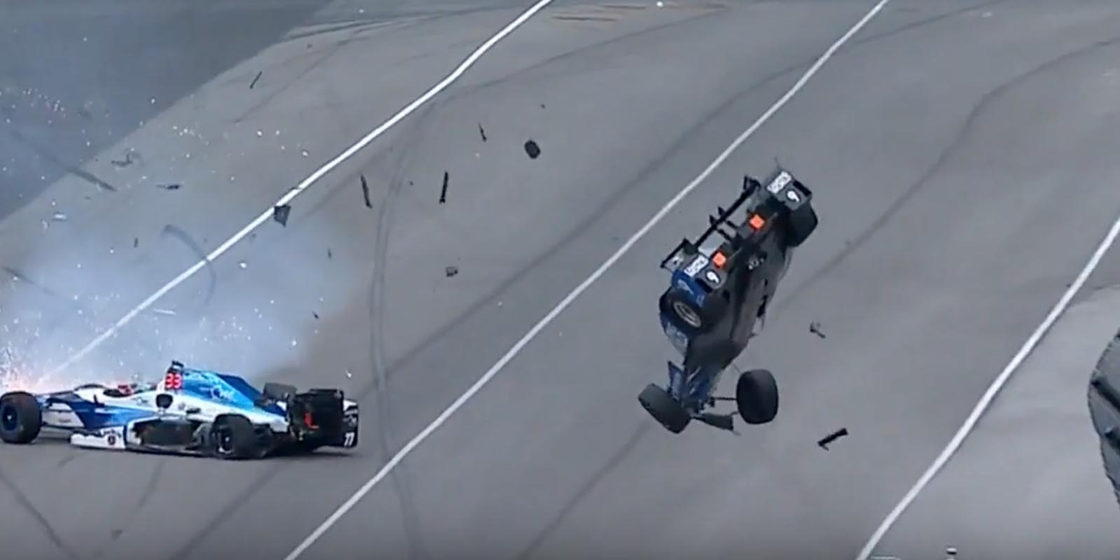 Photo of Δείτε μία τρομακτική σύγκρουση στο Indy 500 [vid]