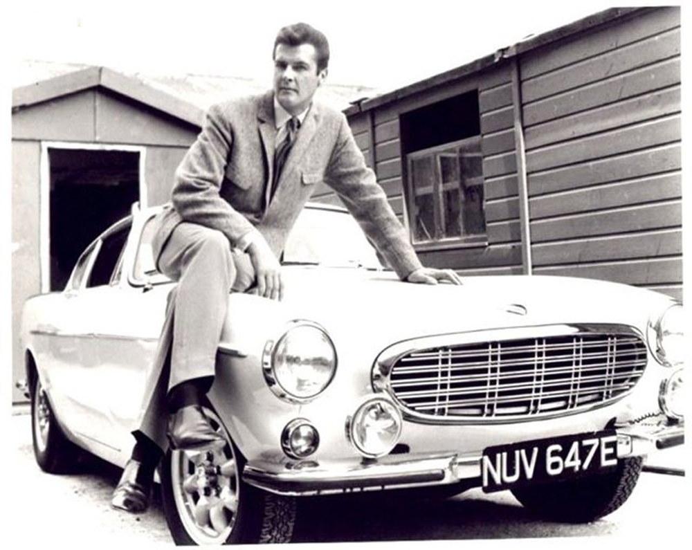 Photo of Τι αυτοκίνητα οδηγούσε ο Roger Moore; [vid]
