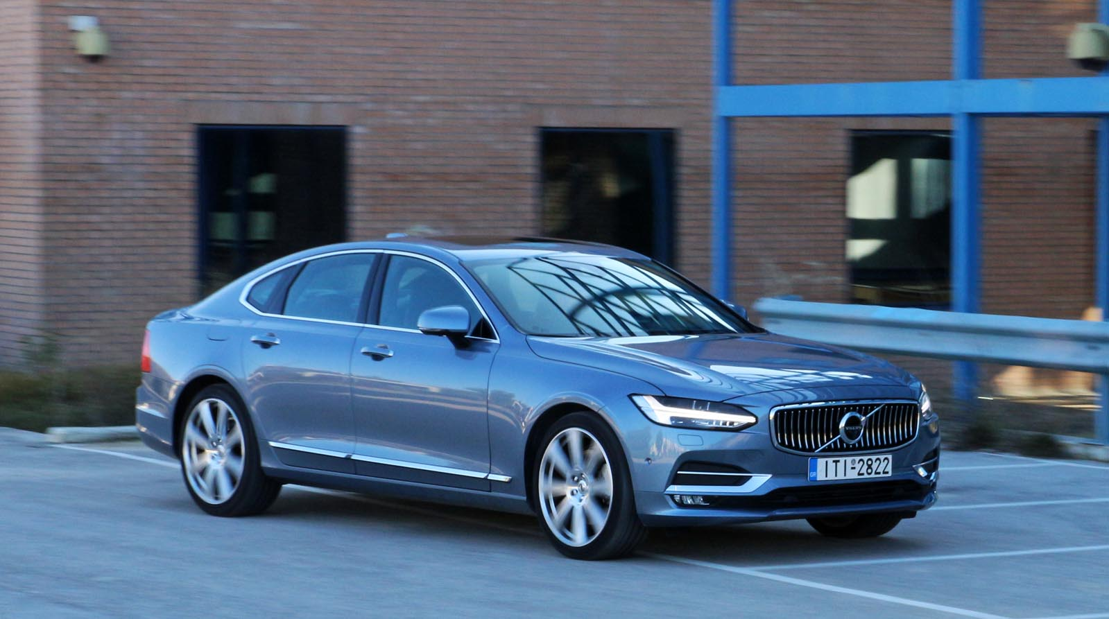 Photo of Volvo S90 T6 AWD [test drive]