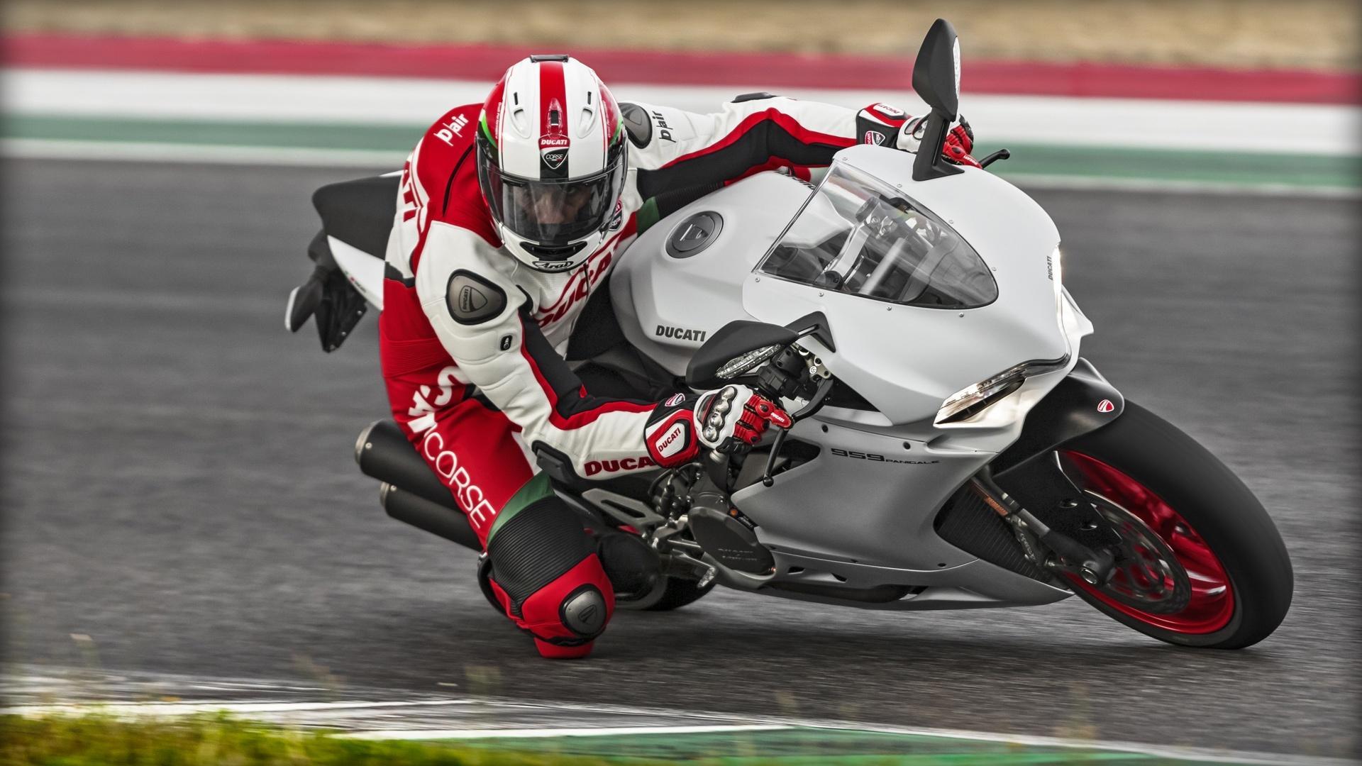 Photo of Θα αποκτήσει η Harley Davidson την Ducati;