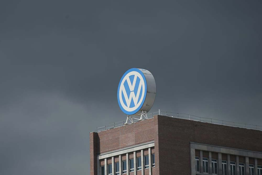 Photo of H Interpol αναζητά 5 στελέχη της VW για το Dieselgate