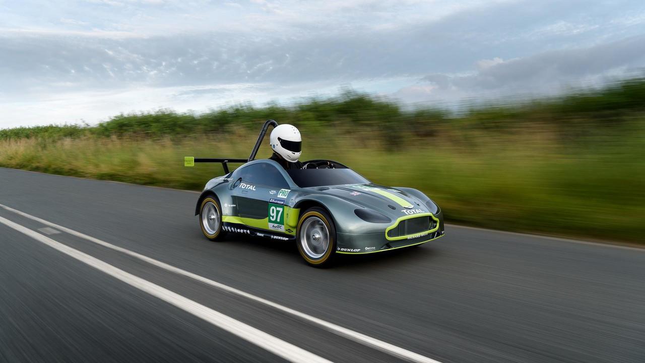 Photo of Αυτή είναι μία από τις πιο σπάνιες Aston Martin που υπάρχουν [vid]