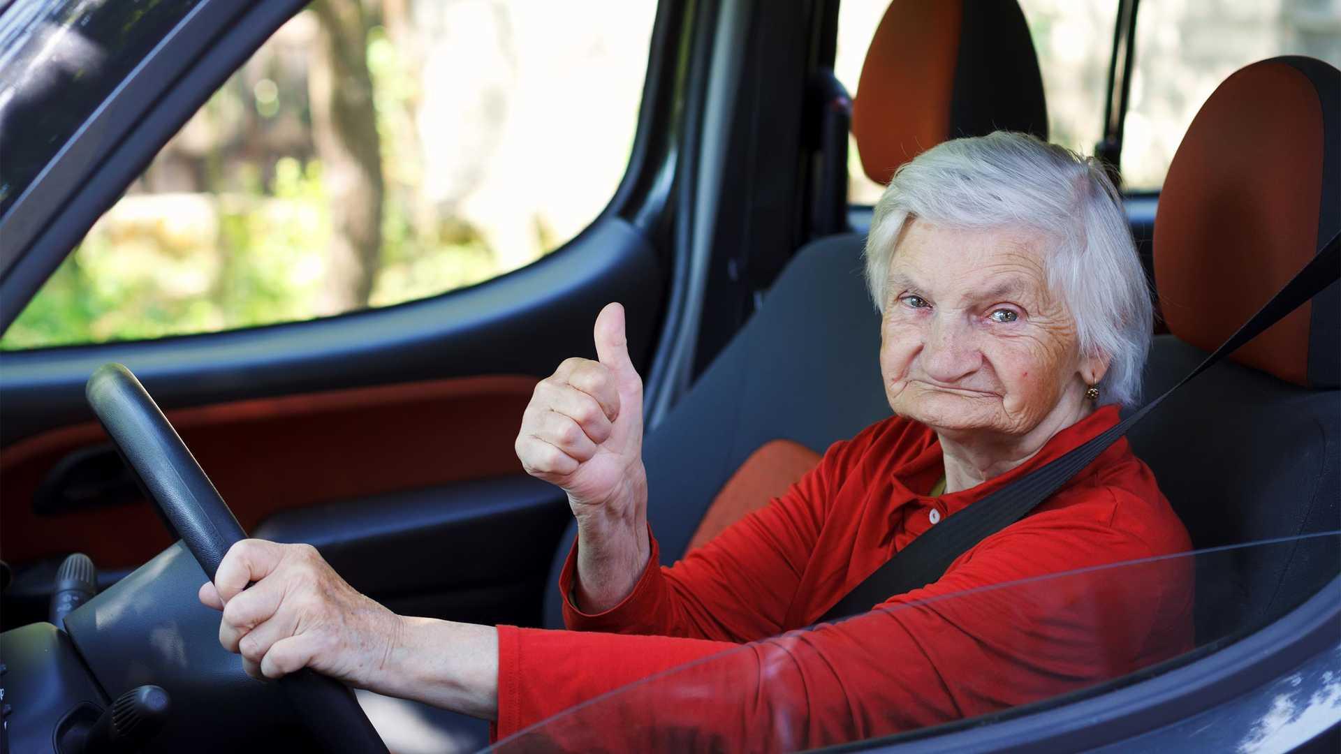 Photo of Σούπερ-γιαγιά 79 ετών πήγαινε με 240 χλμ./ώρα με μία Porsche Boxster GTS