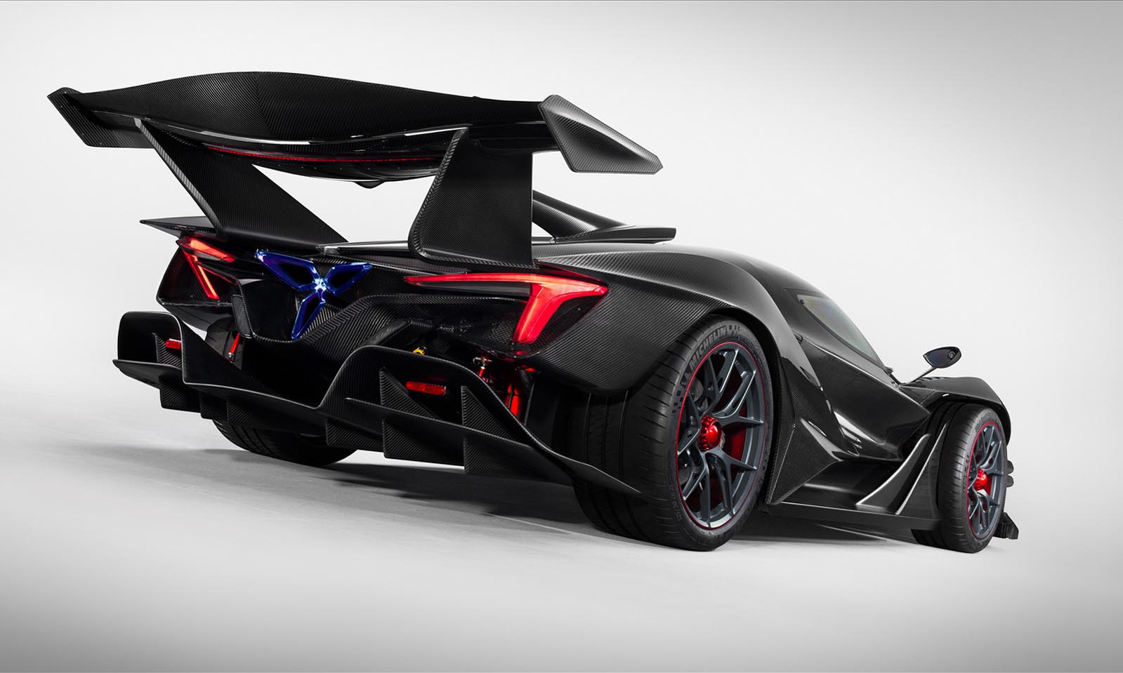 Photo of Σε πρώτο πλάνο το Gumpert Apollo Intensa Emozione [vid]
