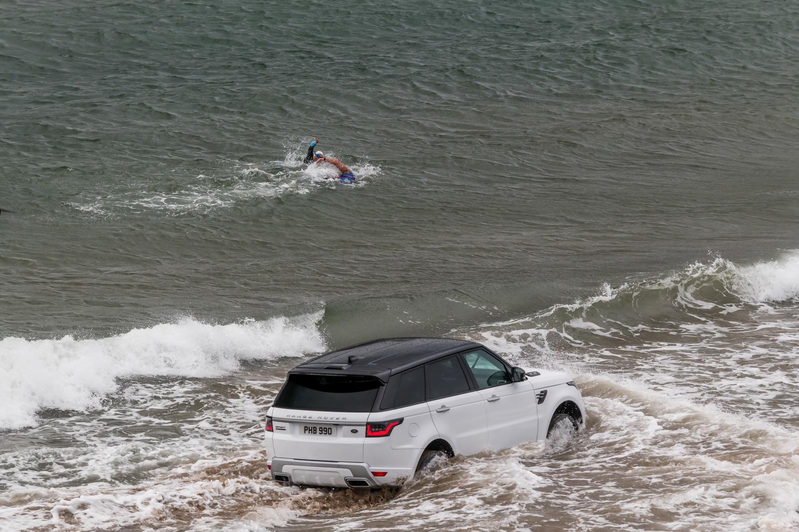 Photo of Το Range Rover Sport σε βαθιά νερά [vid]
