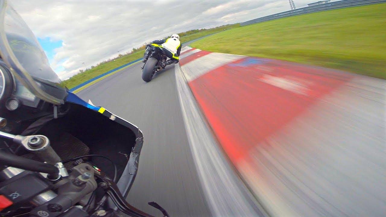 Photo of Ένα όμορφο POV βίντεο από μία Yamaha R6