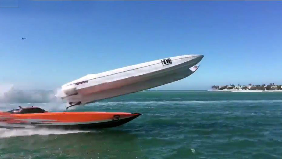 Photo of Ένα απίστευτο ατύχημα σε αγώνες Super Boats [vid]