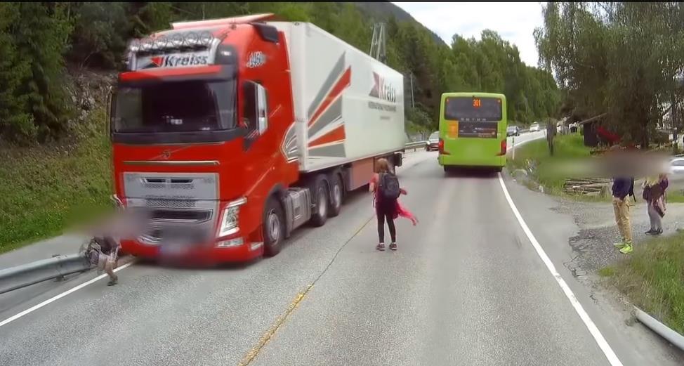Photo of To σύστημα Emergency Braking της Volvo σώζει ζωές! [vid]
