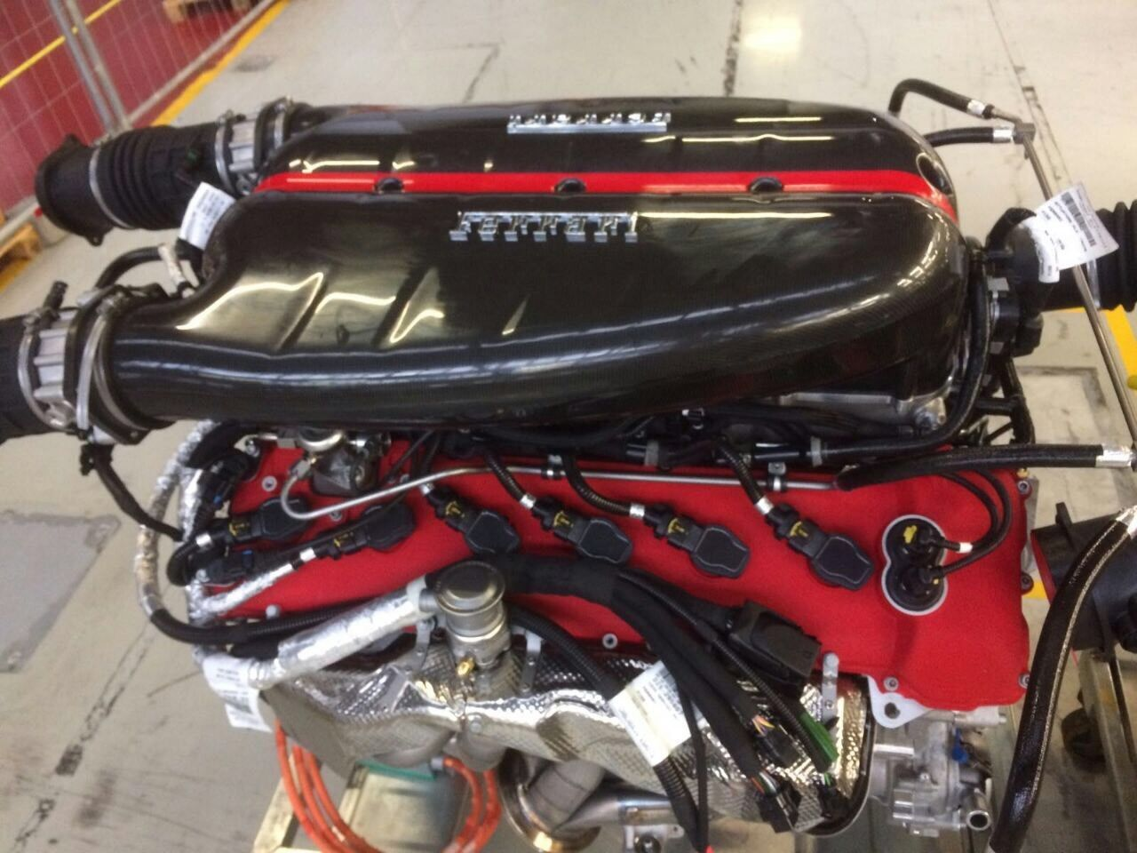 Photo of Πόσο μπορεί να κοστίζει ένας κινητήρας από μια LaFerrari;