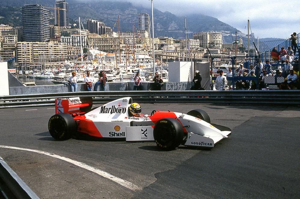 Photo of Σε δημοπρασία η McLaren MP4/8A του Senna