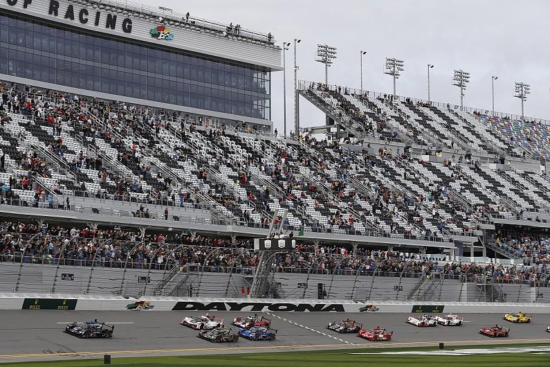 Photo of Ο 24 ώρες της Daytona τρέχουν αντίστροφα!