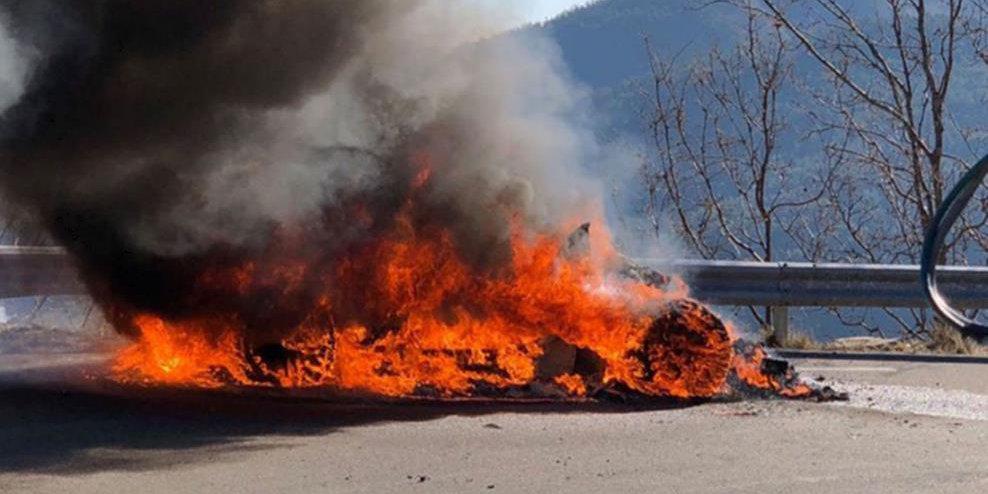 Photo of Άρπαξε φωτιά μία Renault Alpine στα γυρίσματα του Top Gear