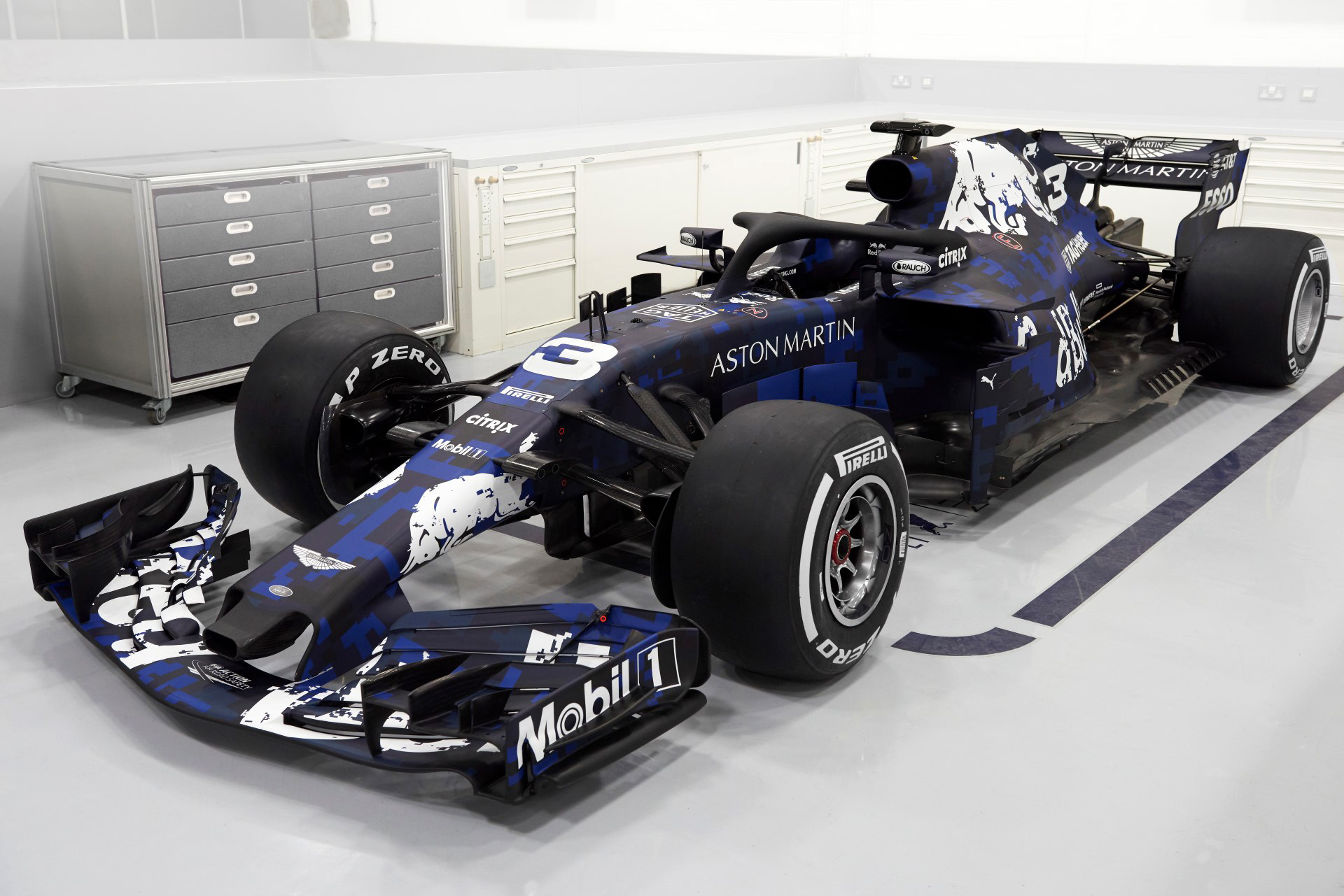 Photo of Επίσημα η Red Bull RB14 για το πρωτάθλημα του 2018