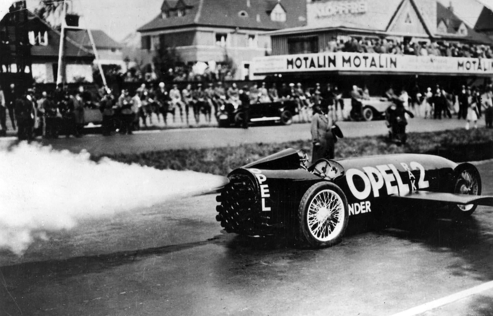 Photo of Πριν από 90 Χρόνια: Η Opel στην Εποχή των Πυραύλων [vid]