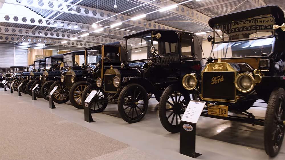 Photo of Η μεγαλύτερη δημοπρασία ιστορικών Ford [vid]