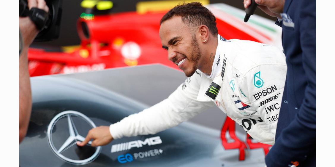 Photo of Mercedes F1: Ανανέωσε για 2 ακόμη χρόνια ο Lewis Hamilton