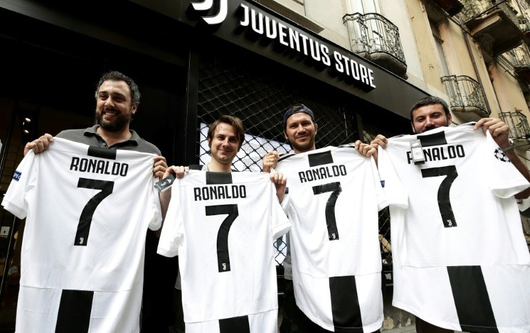 Photo of Στην Fiat τα έχουν… πάρει λόγω Ronaldo και απεργούν [blog]