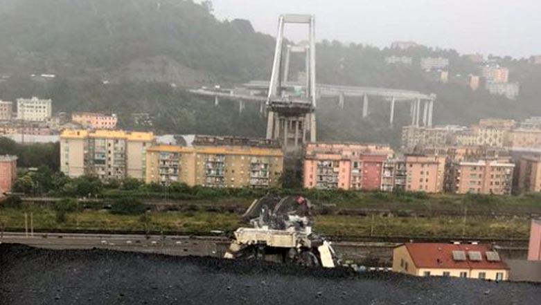 Photo of Δείτε τη στιγμή που πέφτει η γέφυρα στην autostrada A10 στη Γένοβα [vid]