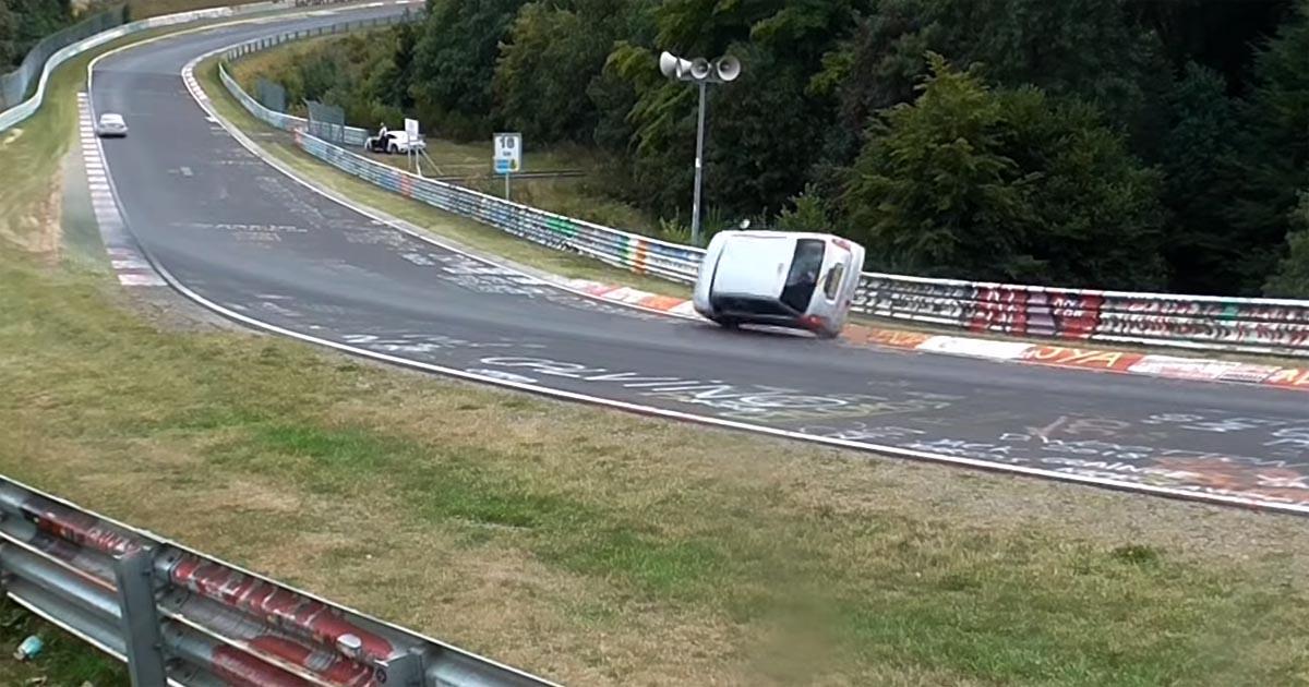Photo of Δείτε το πιο επικό σώσιμο στο Nürburgring με ένα Daihatsu Cuore [vid]