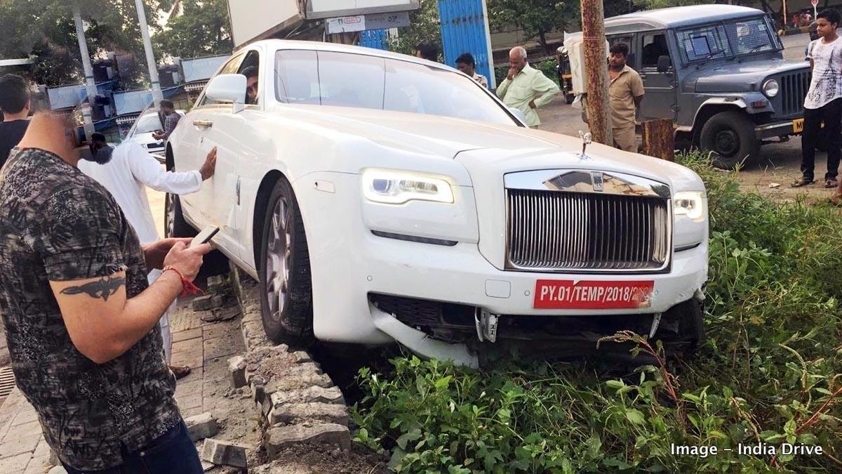 Photo of Όταν ένας Ινδός κατέστρεψε μία Rolls-Royce Ghost